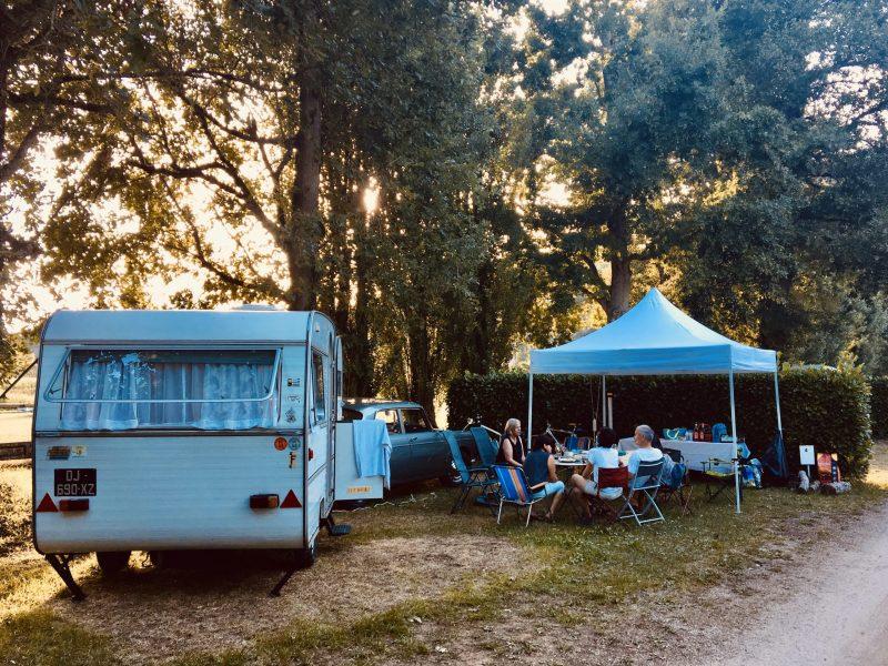 B.14 - Old school Camping - Martial Garza